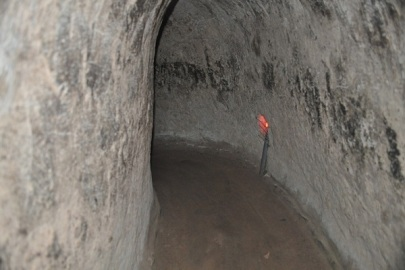Day-tours-in-Vietnam-visit-the-Cu-Chi-Tunnels.-ReadyClickAndGo