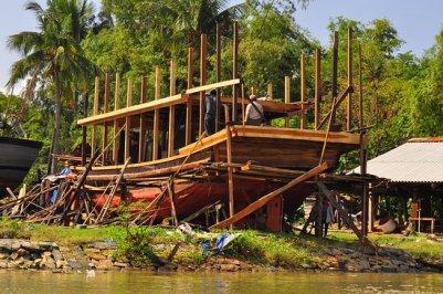 kim-bong-boat-building